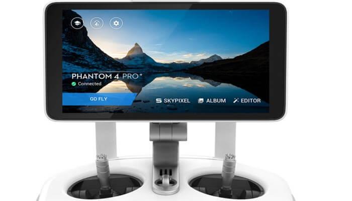 Phantom 4 Pro плюс монитор
