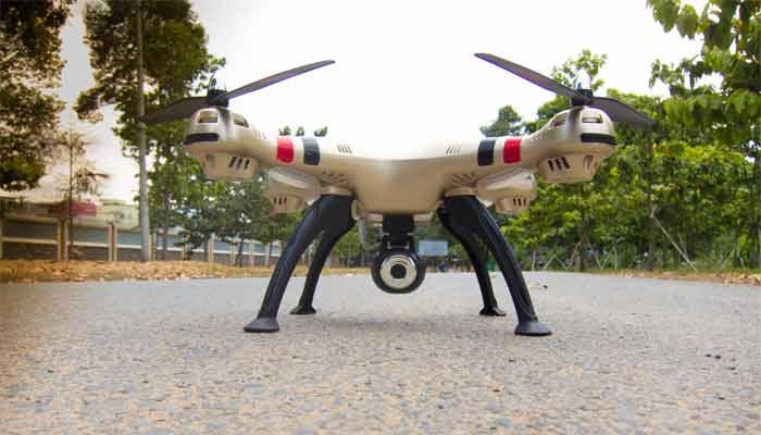 Syma X8HW fly