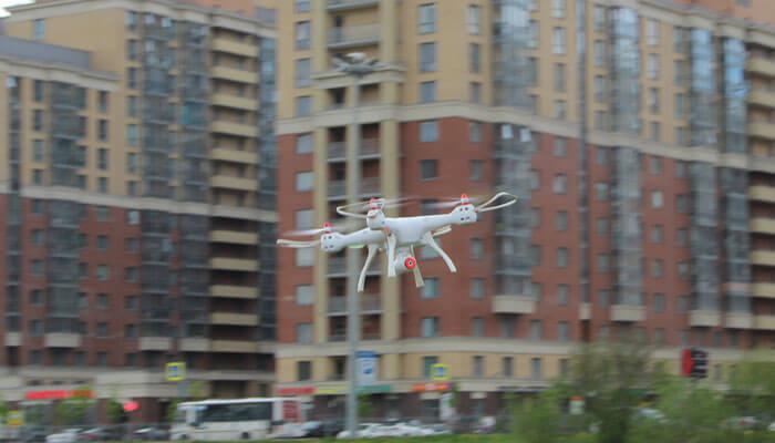квадрокоптер-Syma-X8SW-с-камерой
