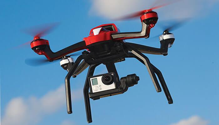 kvadrokopter traxxas aton v vozduhe - Traxxas Aton быстрый и стремительный квадрокоптер.