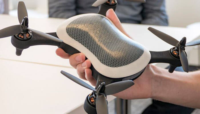 Teal Sports Racer dron - Топ 5 самых быстрых гоночных квадрокоптеров в мире.
