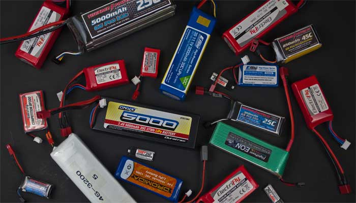 Выбор аккумуляторной батареи для квадрокоптера посмотреть сумка спарк комбо