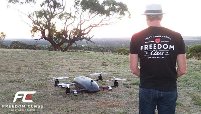 dron Freedom Class Racer