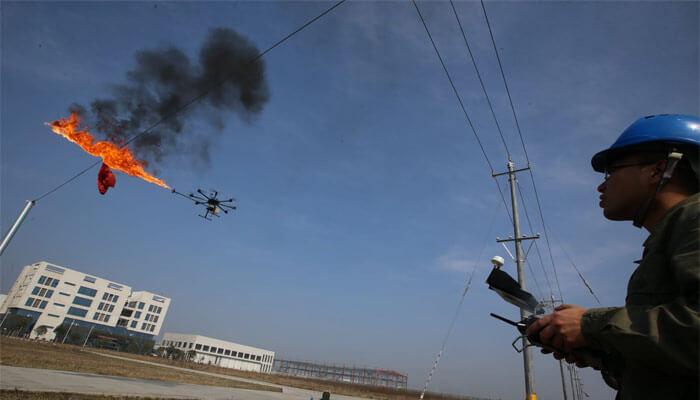 dron s ognemetom